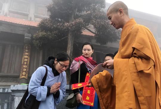 Hành hương mùa Phật đản, quý tăng ni cả nước được miễn phí vé cáp treo Fansipan - Ảnh 4.