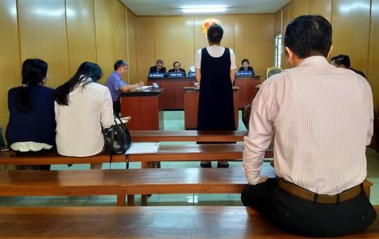 Mượn họ hàng hơn 50 tỉ và 350 cây vàng, bà nội trợ ngồi tù - Ảnh 1.
