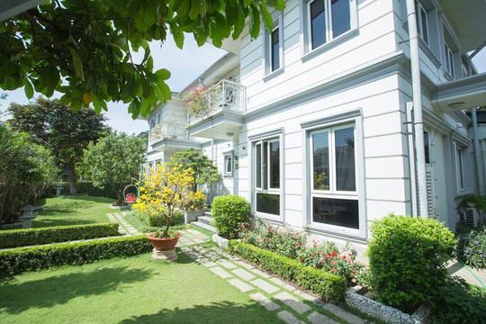 Ngắm ngôi biệt thự triệu đô của Hồ Quỳnh Hương - Ảnh 2.
