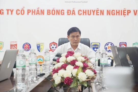 Ông Trần Mạnh Hùng từ chức phó chủ tịch VPF - Ảnh 1.