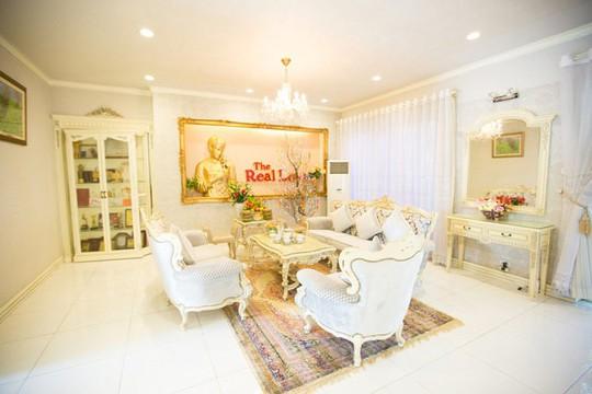 Ngắm ngôi biệt thự triệu đô của Hồ Quỳnh Hương - Ảnh 9.