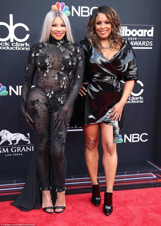 Những thảm họa thời trang tại Billboard Music Awards 2018 - Ảnh 5.