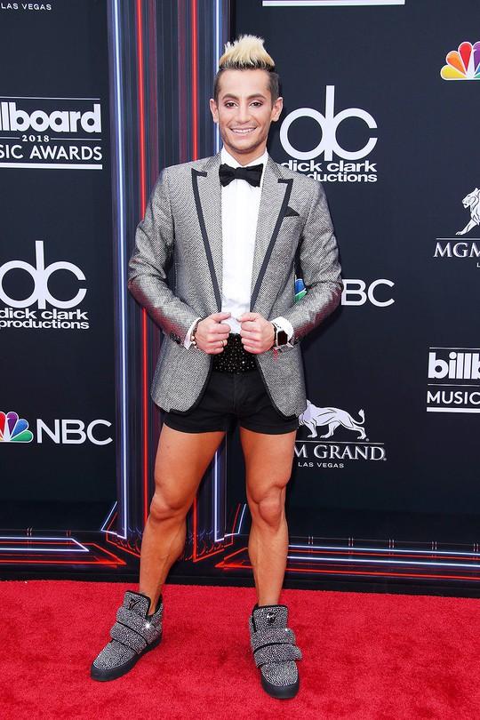 Những thảm họa thời trang tại Billboard Music Awards 2018 - Ảnh 8.