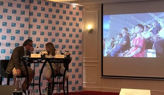 U23 Việt Nam lên sóng truyền hình Pháp, Lương Xuân Trường bắn tiếng Anh - Ảnh 6.