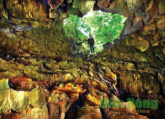 Xứ sở của những ngọn thác thiêng tuyệt đẹp - Ảnh 1.