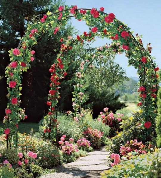 Khu vườn trở nên lãng mạn nhờ cổng vòm rực rỡ sắc hoa - Ảnh 4.