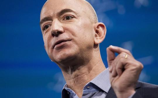 Người giàu nhất hành tinh Jeff Bezos thần tượng 3 CEO này - Ảnh 1.