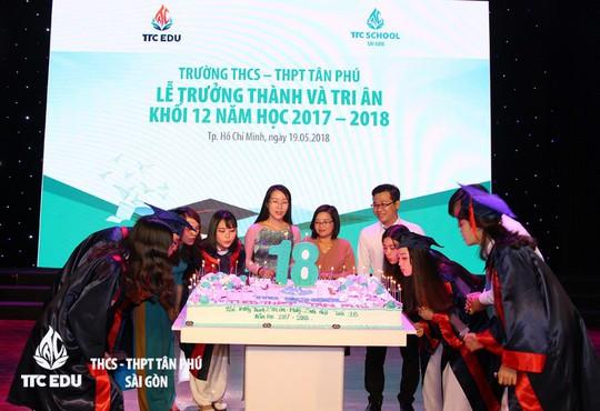 Lễ tri ân và trưởng thành của học sinh trường THCS - THPT Tân Phú - Ảnh 2.