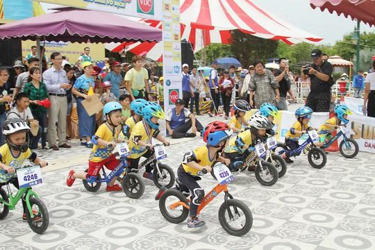 Cậu bé Đà Nẵng giành 3 chức vô địch Cua-rơ nhí xuyên Việt tại 3 miền - Ảnh 1.