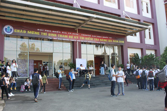 Hồ sơ dự thi kiểm tra năng lực Trường ĐH Quốc tế tăng gấp 3 lần - Ảnh 2.
