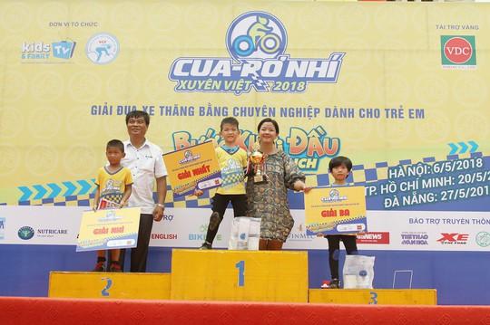Cậu bé Đà Nẵng giành 3 chức vô địch Cua-rơ nhí xuyên Việt tại 3 miền - Ảnh 4.