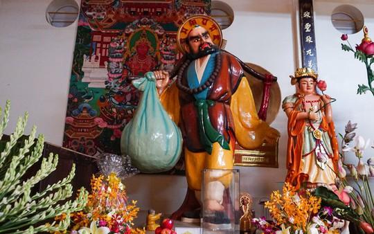 Chùa có tượng Phật bằng tóc người lớn nhất Việt Nam - Ảnh 6.