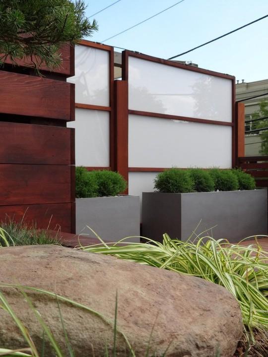10 mẫu hàng rào đẹp, tiết kiệm chi phí cho khu vườn nhà bạn - Ảnh 2.