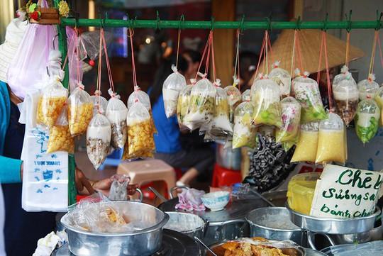 5 quán chè Sài Gòn luôn đắt khách bất kể nắng mưa - Ảnh 2.