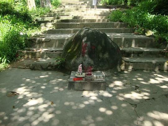 Nhiều chuyện bí hiểm ở chùa Châu Thới - Ảnh 3.
