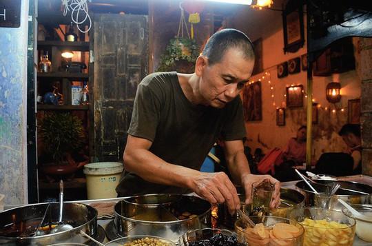5 quán chè Sài Gòn luôn đắt khách bất kể nắng mưa - Ảnh 5.