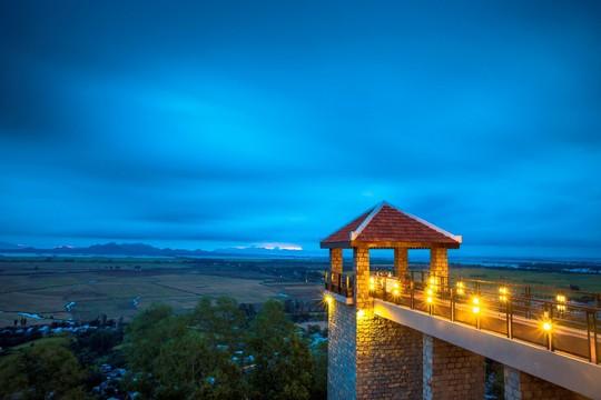Núi Sam Lodge: Lạc vào thế giới mộng mơ! - Ảnh 6.