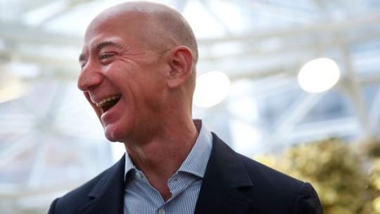 Ông chủ Amazon muốn chuyển ngành công nghiệp lên mặt trăng - Ảnh 1.