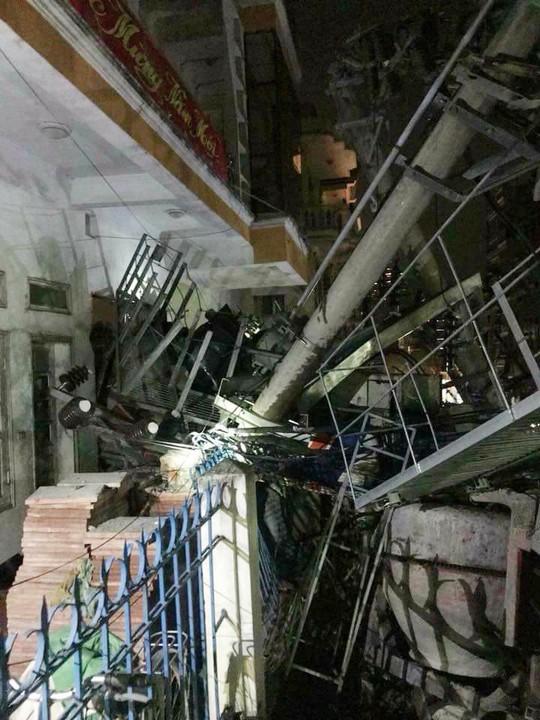 Tai nạn kinh hoàng ở Cát Bà, 4 người thương vong, mất điện diện rộng - Ảnh 2.