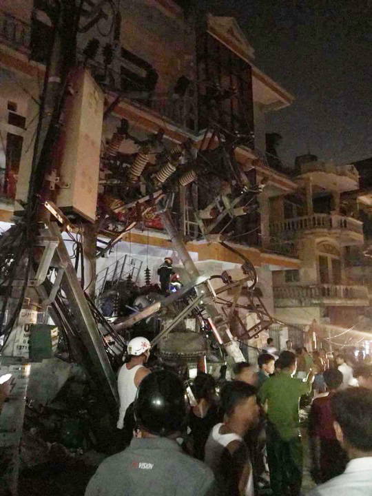 Tai nạn kinh hoàng ở Cát Bà, 4 người thương vong, mất điện diện rộng - Ảnh 4.
