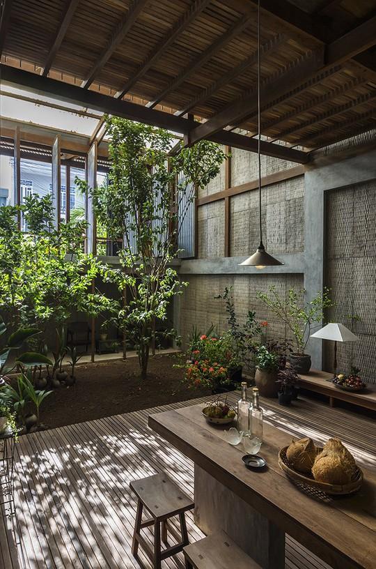 Dùng tấm tôn làm vật liệu chính, ngôi nhà vẫn quá đẹp - Ảnh 2.