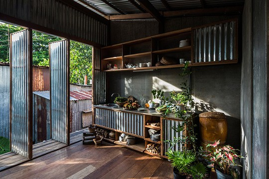 Dùng tấm tôn làm vật liệu chính, ngôi nhà vẫn quá đẹp - Ảnh 8.