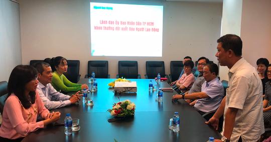 Thác loạn giữa Sài Gòn: UBND TP HCM khen thưởng đột xuất Báo Người Lao Động - Ảnh 1.