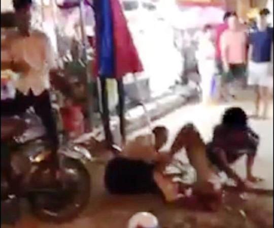 Vụ khách Trung Quốc bị đánh te tua ở Nha Trang: Chủ nhà hàng nói gì? - Ảnh 3.