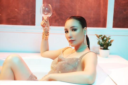 Ca sĩ Hồ Quỳnh Hương:  Gạ tình, nếu có, phải từ hai phía - Ảnh 8.