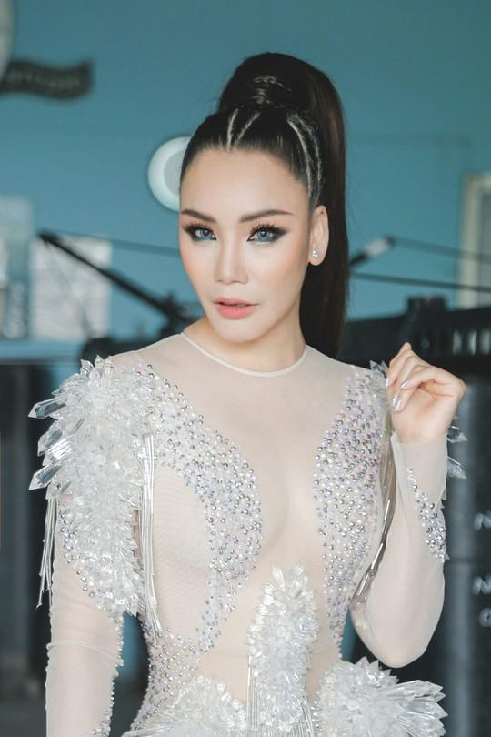 Ca sĩ Hồ Quỳnh Hương:  Gạ tình, nếu có, phải từ hai phía - Ảnh 1.