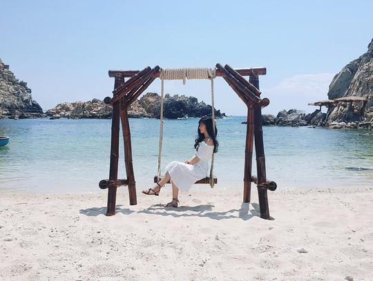 Ghé Nha Trang hè này, khám phá bãi tắm đôi duy nhất ở Việt Nam - Ảnh 4.