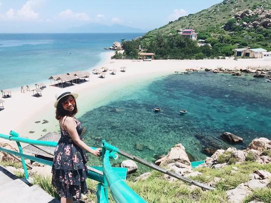Ghé Nha Trang hè này, khám phá bãi tắm đôi duy nhất ở Việt Nam - Ảnh 3.