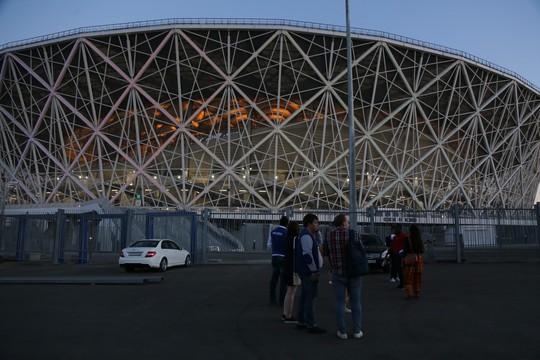 Thăm sân Volgograd trước World Cup - Ảnh 2.