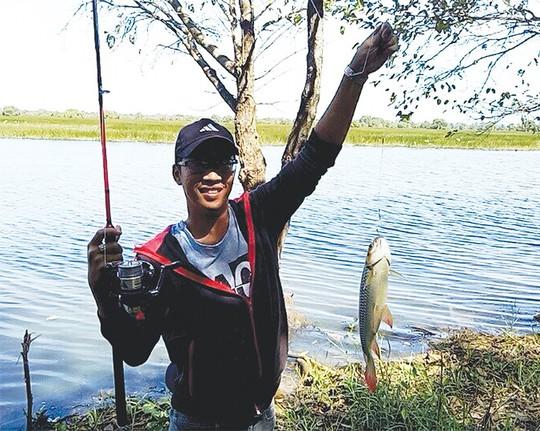 Cần thủ đua nhau ra sông săn cá ở miền Tây - Ảnh 2.