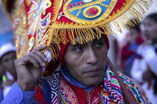 Rực rỡ sắc màu tại lễ hội tuyết và sao ở Peru - Ảnh 11.