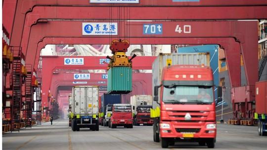 Mỹ mở rộng cuộc chiến thương mại với Trung Quốc - Ảnh 1.