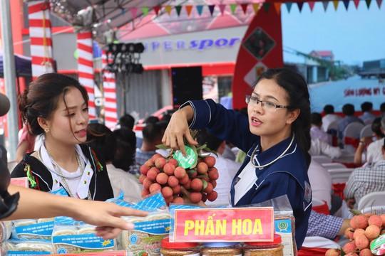Central Group và Big C đưa vải thiều Bắc Giang sang Thái Lan - Ảnh 1.