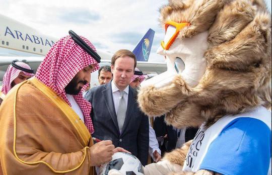 Dập tắt tin đồn đã chết, Thái tử Ả Rập Saudi tới Nga - Ảnh 2.