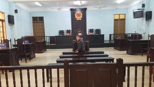 Giám đốc nhận 12 tháng tù vì nhắn tin vu khống lãnh đạo tỉnh - Ảnh 2.