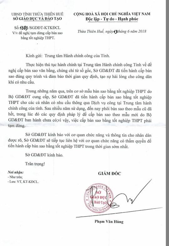 Hết phôi bản cũ, Huế tạm dừng cấp bản sao bằng tốt nghiệp THPT - Ảnh 2.