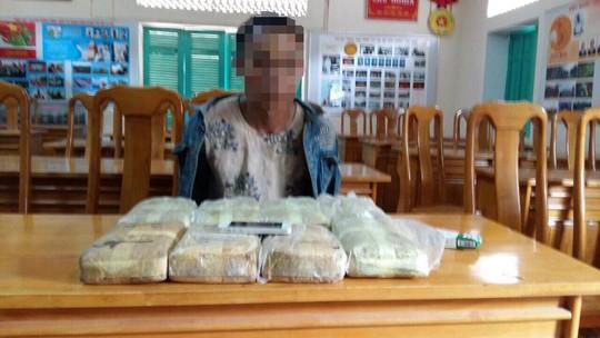 Phá đường dây ma túy khủng từ Lào về Việt Nam - Ảnh 1.