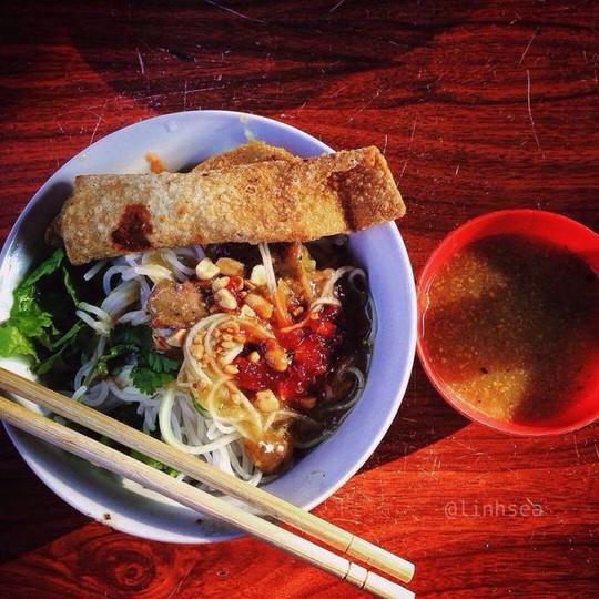 Ăn hết món ngon đường phố Đà Nẵng với 200.000 đồng - Ảnh 4.