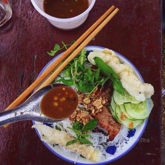 Ăn hết món ngon đường phố Đà Nẵng với 200.000 đồng - Ảnh 5.
