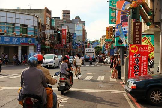 Khám phá làng cổ Lộc Cảng và ngõ Sờ Ngực ở Đài Loan - Ảnh 11.