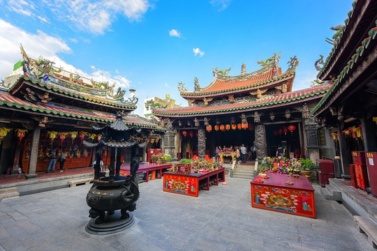 Khám phá làng cổ Lộc Cảng và ngõ Sờ Ngực ở Đài Loan - Ảnh 7.
