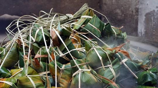 Lò bánh tro nửa thế kỷ ở Sài Gòn tất bật Tết Đoan Ngọ - Ảnh 11.