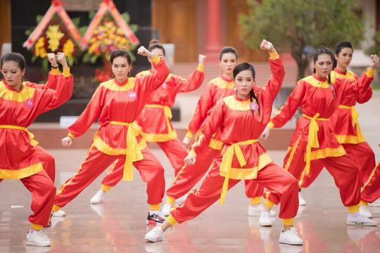 Ngắm thí sinh Hoa hậu Việt Nam 2018 luyện võ - Ảnh 1.