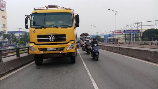 Xe ben cán chết bé 4 tuổi trên cầu vượt ở Biên Hòa - Ảnh 3.