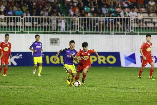 V-League vào giai đoạn căng sức mà đá - Ảnh 1.