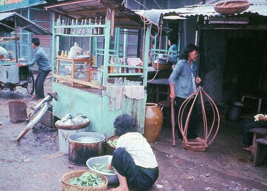 Ảnh độc đáo về hàng quán giải khát trên vỉa hè Sài Gòn xưa - Ảnh 14.